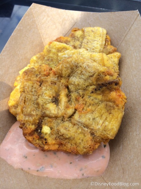 Tostones (fried green plantains with mayo ketchup)