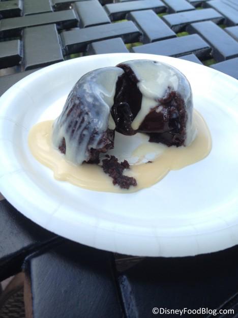 Warm chocolate pudding with Kerrygold Irish Cream Liqueur Custard cross section