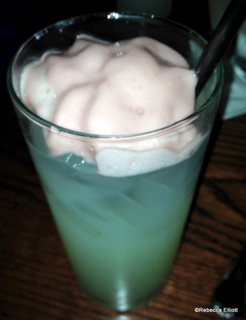 All Natural Lemonade with Wildberry Foam