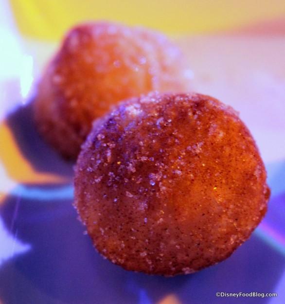 Refreshment Port Croissant Doughnut (3)-001