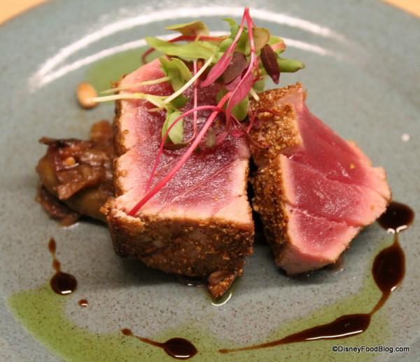 Ravello's Tonno (Pan-seared tuna)