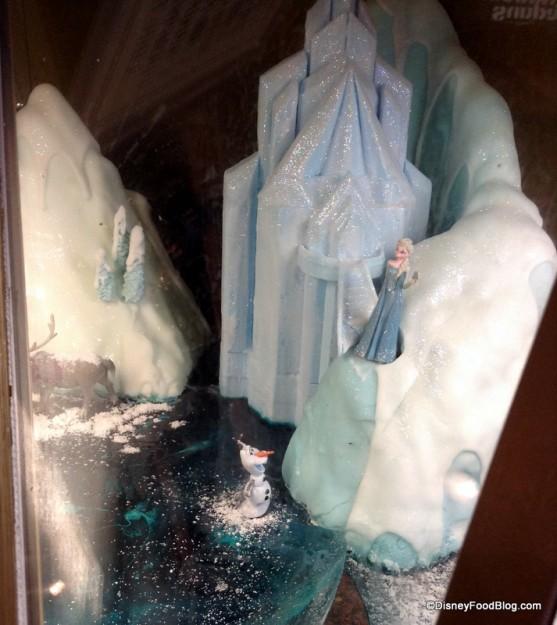 Frozen scene at Kringla Bakeri og Kafe