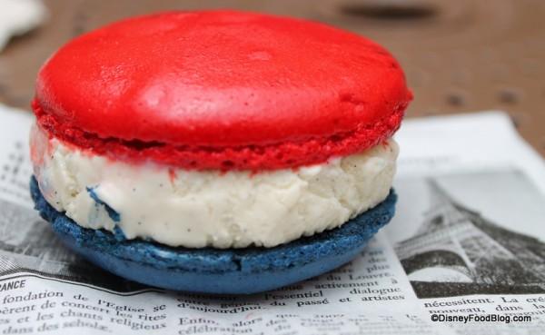 Vanilla Macaron Ice Cream Sandwich blue side up
