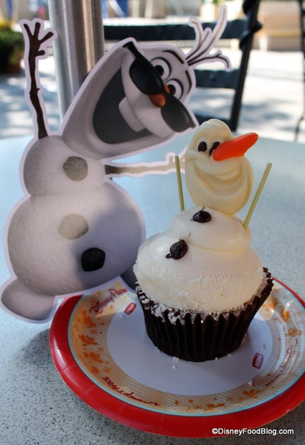 Olaf Cupcake at Disney's Hollywood Studios