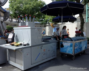 tomorrowland space dog cart (2)