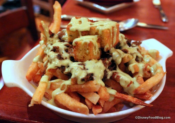 """Pulled Barbecue Pork """"Poutine"""""""