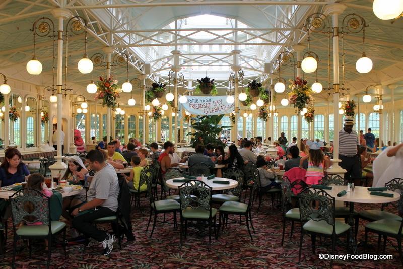 crystal-palace-atmosphere-dining-rooms-61.jpg