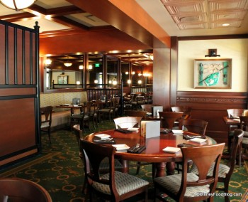 Disney S Saratoga Springs Resort Restaurants The Turf Club