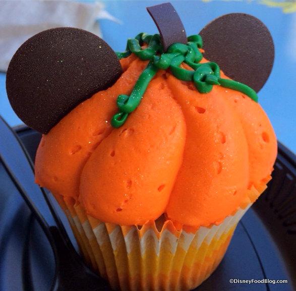 Mickey Pumpkin Cupcake