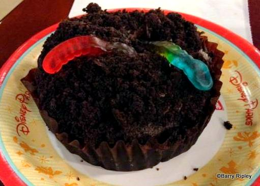 Worms and Dirt Cupcake