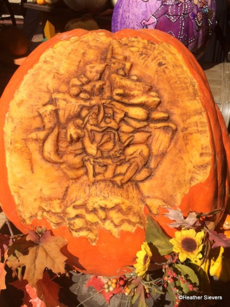 Splash Mountain Pumpkin Featuring Brer Rabbit, Brer Bear and Brer Fox