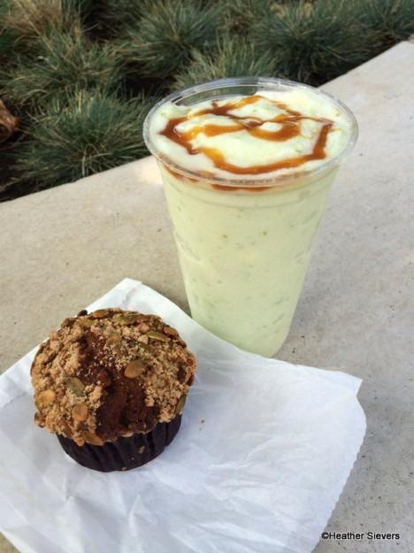 Caramel Apple Smoothie & Pumpkin Muffin