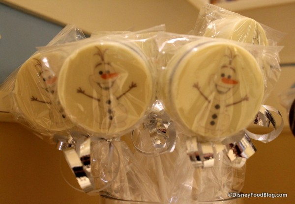 Olaf Chocolate-covered Cookie Sandwich Pops
