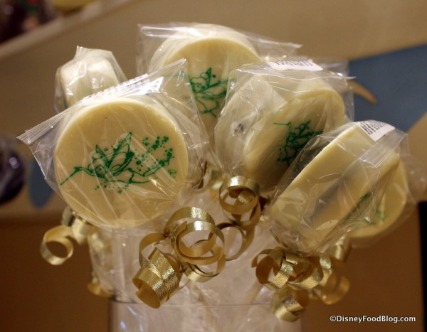 Tinkerbell Chocolate-covered Cookie Sandwich Pops