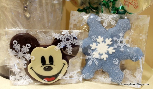 Mickey Butter Cookie and Gingerbread Snowflake Cookie