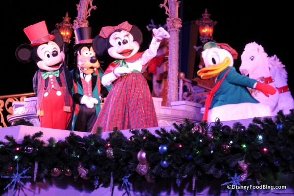 Minnie and friends in holiday gear
