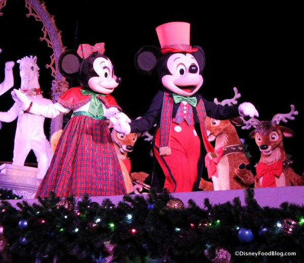 Mickey and Minnie are ready to celebrate!