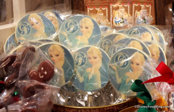 Elsa White Chocolate Pops
