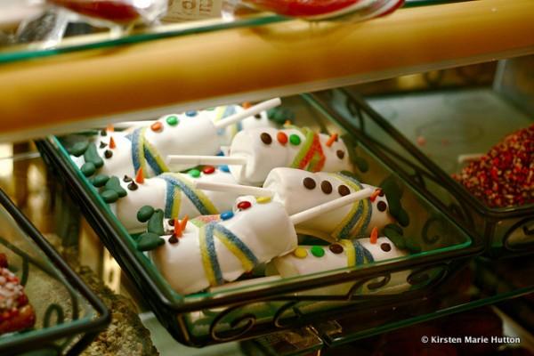 Snowman Marshmallow Pops from Marceline's