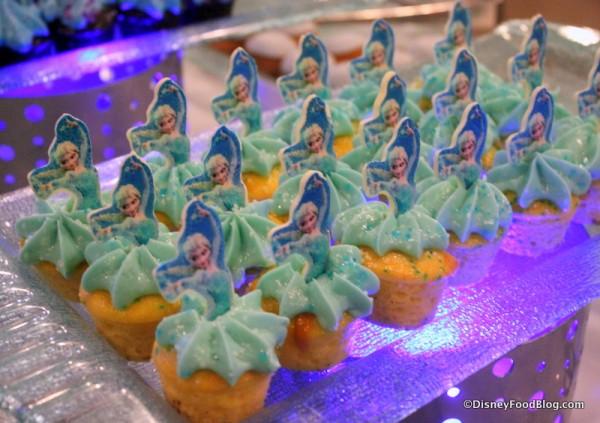 Elsa Vanilla Cupcakes
