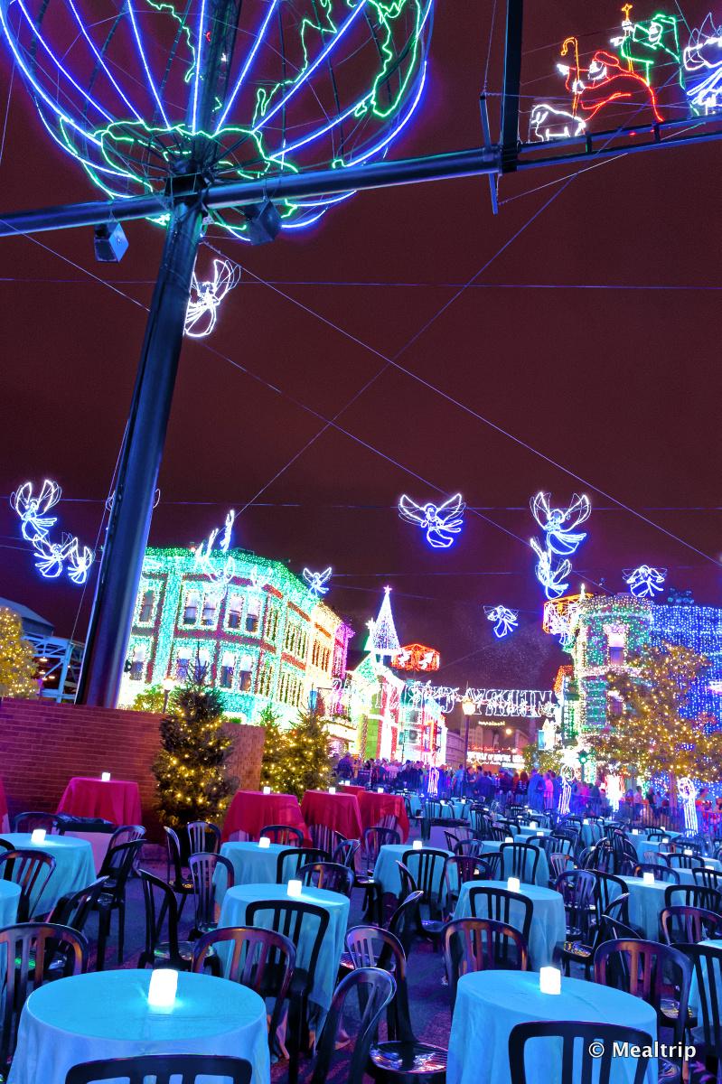 Dancing Lights Of Christmas