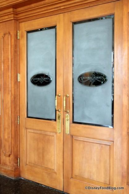 victoria and alberts door