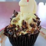 "Review: ""Big Hero 6″ Baymax Chocolate Cupcake with Banana Buttercream Icing at Disney's Hollywood Studios"
