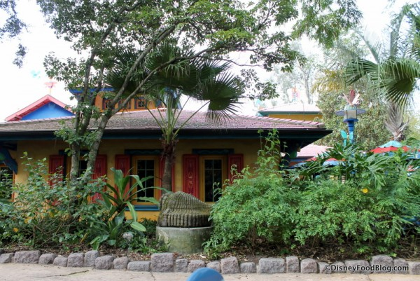 View of Pizzafari from outside  table