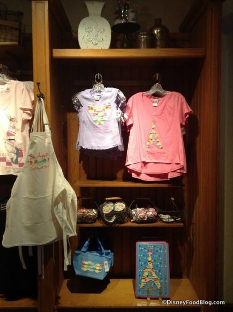 Macaron merchandise display
