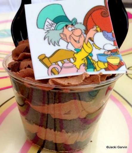 Mad Hatter Mocha Cake Cup