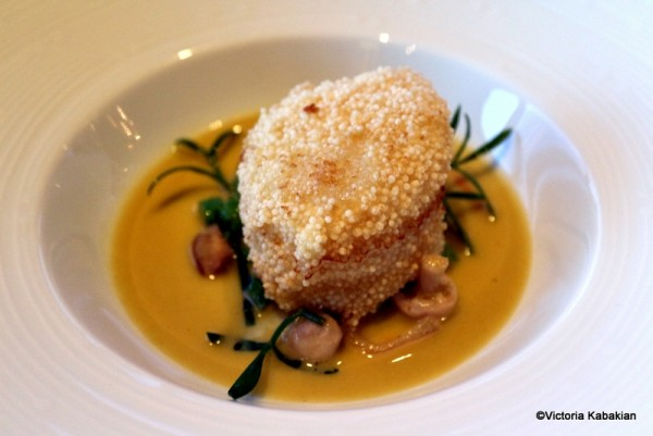 Scallop with curried coconut broth