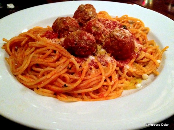 Classic spaghetti and meatballs with red sauce