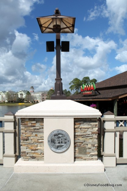 Light post on The Marketplace Causeway