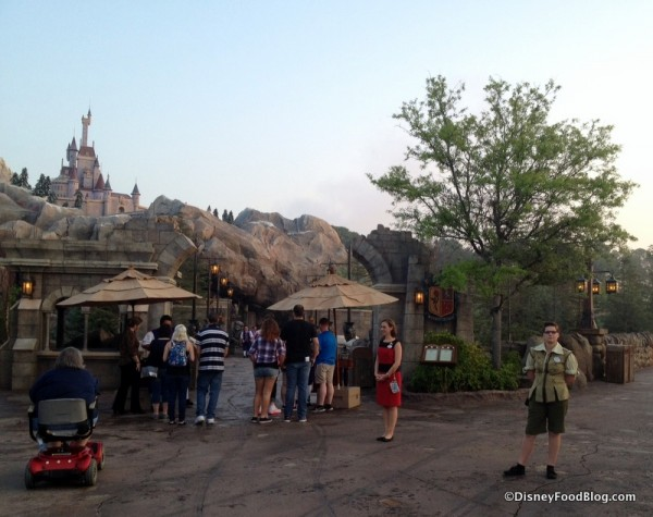 Be Our Guest Restaurant breakfast check-in