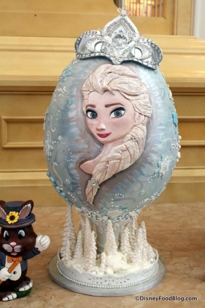 Queen Elsa egg