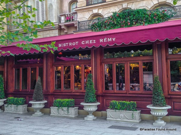 Bistrot Chez Rémy Outdoor Awning