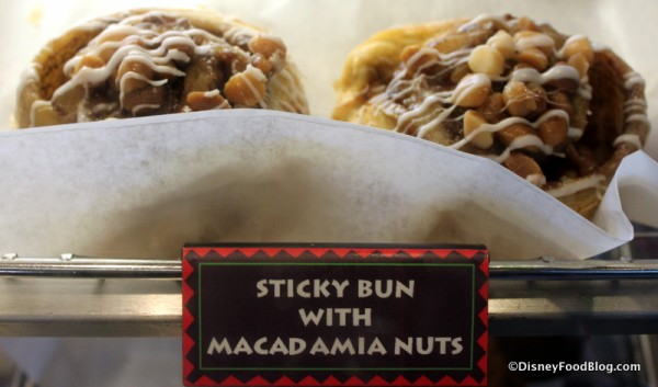 Sticky Bun with Macadamia Nuts