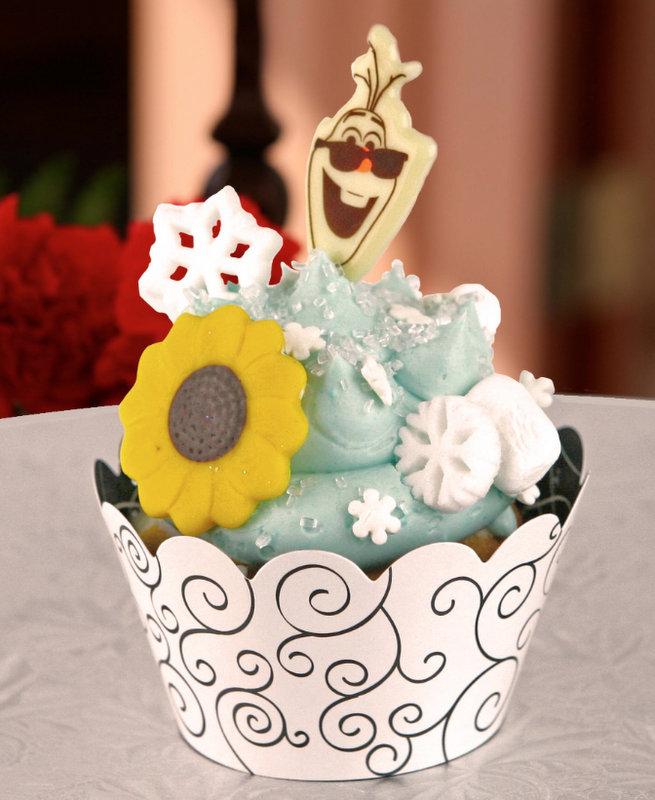 Annas Happy Birthday Cupcake The Disney Food Blog