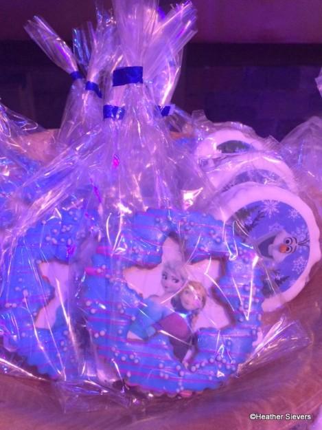 Frozen Sisters Shortbread Cookie