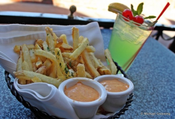 A Stop at Cafe Orleans for Frites and a Mint Julep