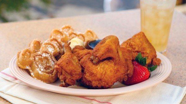 Fried Chicken and Waffles disneyland 24 hour day 2015