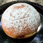 Review: Beignet at Les Halles Boulangerie Patisserie in Epcot's France Pavilion