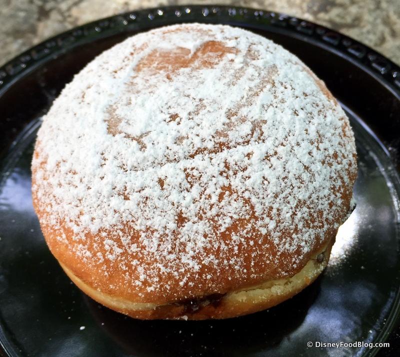 Les halles boulangerie patisserie the disney food blog les halles beignet up close fandeluxe Gallery