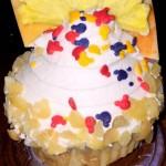 Review: Pineapple Macadamia Nut Cupcake at Disney's Aulani Resort