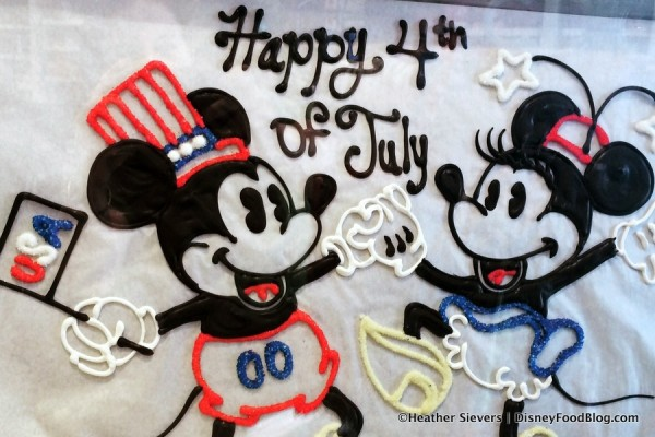 Red, White, and Blue Mickey Caramel Apples for Independence Day!