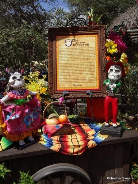 Dia de los Muertos Signage