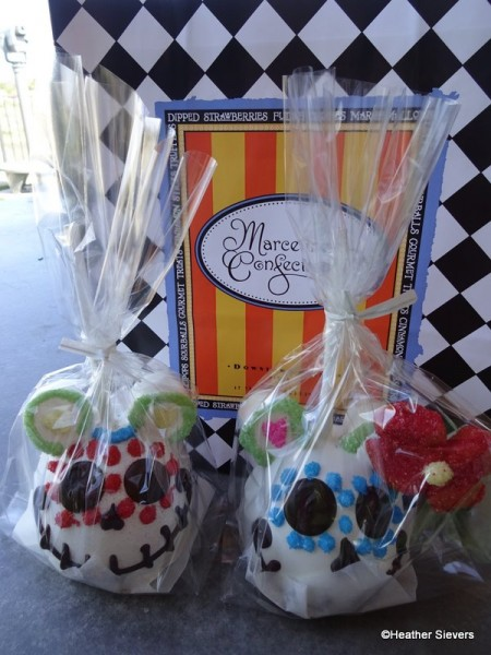 Dia de los Muertos Caramel Apples To Go from Marceline's
