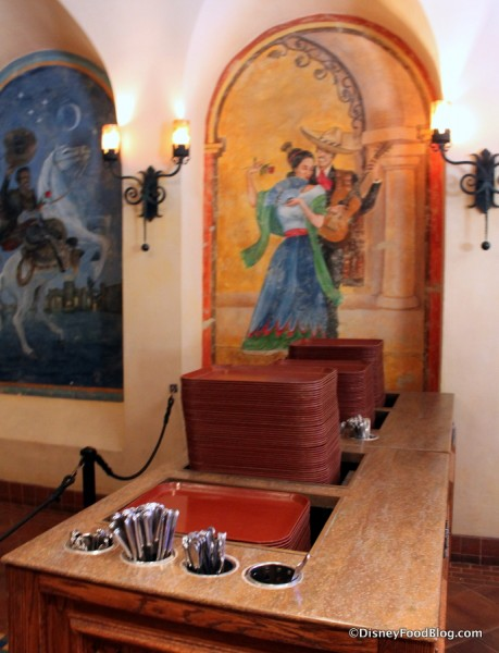 Disneyland Rancho del Zocalo_15_-collecting trays and silverware