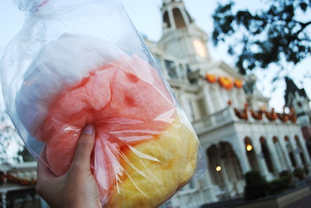 Candy Corn Cotton Candy ©Disney