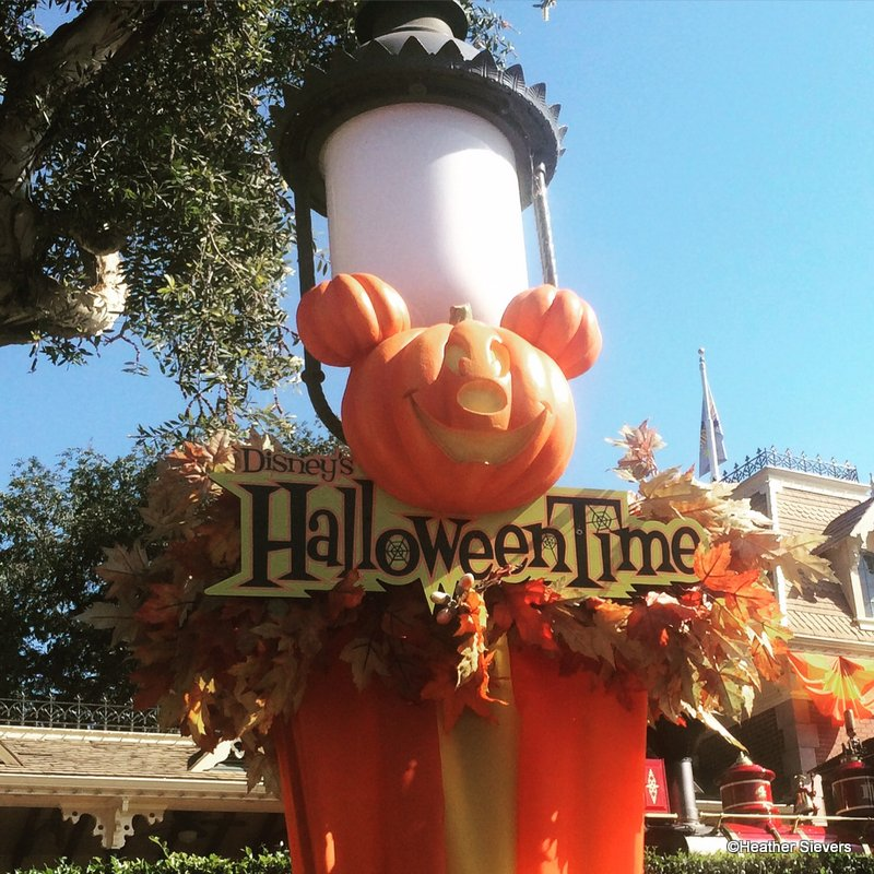 Disneyland Halloween Eats and Treats! | the disney food blog